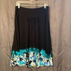 Women's Apt 5 skirt
